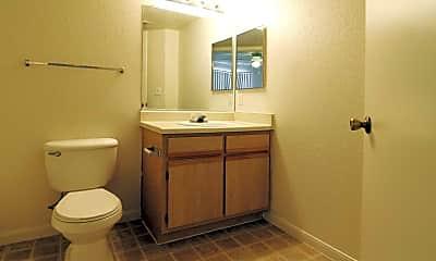 Bathroom, Canyon Walk, 2