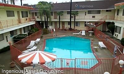 Pool, 6415 Rosemead Blvd, 2