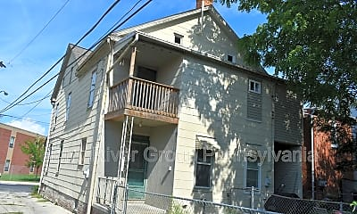 120 E Hanover St, 1