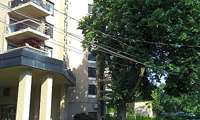 Westview Apartments, 2