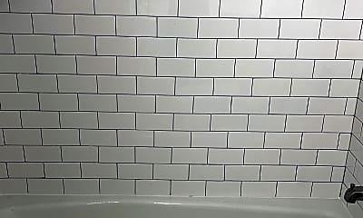 Bathroom, 104 North Street, 2