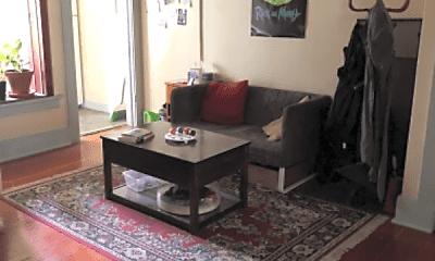 Living Room, 600 NE Maiden Ln, 1