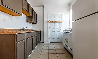 Kitchen, 7110 S Ridgeland Ave, 1