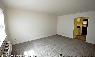 Living Room, 1002 Bryden Rd, 1