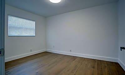 Bedroom, 530 S Federal Hwy, 1