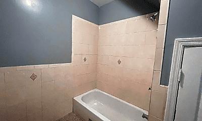 Bathroom, 912 S 18th St, 1