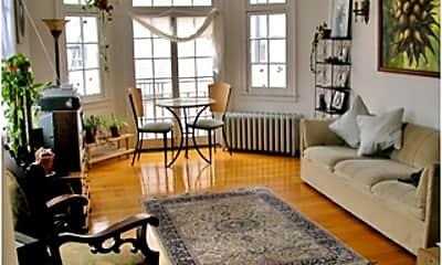 Living Room, 4528 N Wolcott Ave, 1