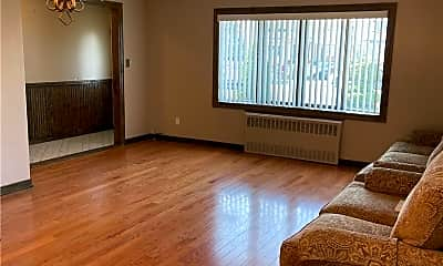 Living Room, 95-15 156th Ave 1FL+B, 0