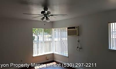 Patio / Deck, 203 4th St, 1