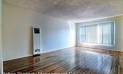 Living Room, 212 N Normandie Ave, 1