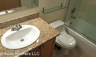 Bathroom, 609 Prospect St, 2