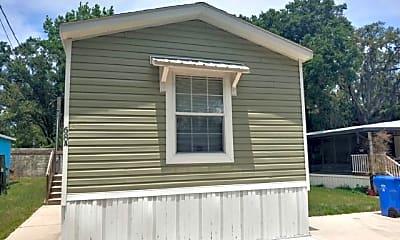 Building, 18118 US-41 68-A, 0
