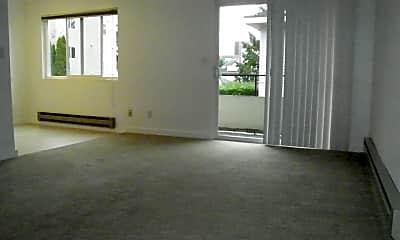 Living Room, 4001 NE 50th St, 0