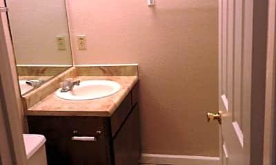 Bathroom, 622 Chestnut St, 2