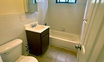 Bathroom, 81 Beacon Hill Dr 3K1, 2