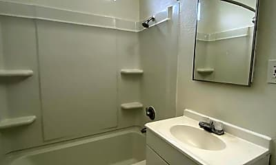 Bathroom, 505 Eastmont Ave, 2