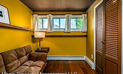 Living Room, 27 Morris Ave, 2
