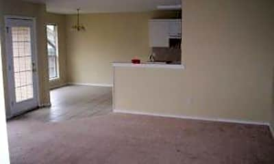 Living Room, 1005 Enlow Cir, 1