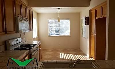 Kitchen, 1021 Guerrero Ln, 2