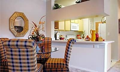 Thornbury Apartments, 1