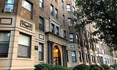 Commonwealth Apartments, 2