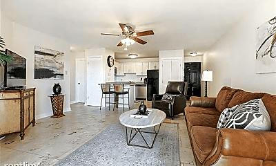 Living Room, 420 Metairie-Hammond Hwy, 1