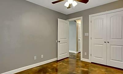 Bedroom, 725 E Crawford St, 2