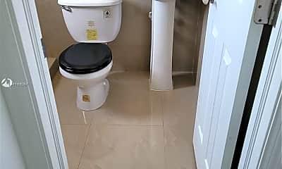 Bathroom, 1335 SW 8th St 2, 2