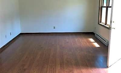Living Room, 152 Linwood Ave, 2