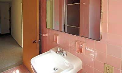 Bathroom, Sherwood Heights Apts & Townhomes, 2