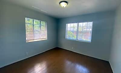 Living Room, 3101 Belden St, 2