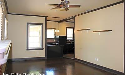 Living Room, 1137 Lasalle St, 1