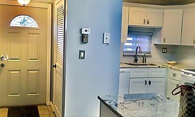 Kitchen, 9410 N Hollybrook Lake Dr 103, 1