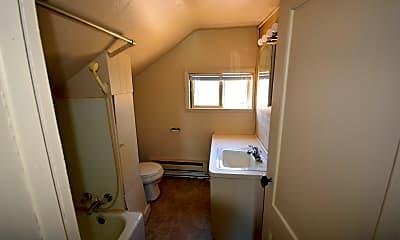 Bathroom, 128 6th St, 2