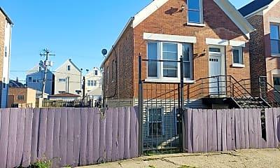 Building, 1621 W 37th Pl, 0