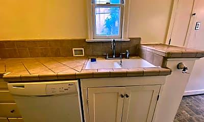 Kitchen, 343 S Detroit St, 2