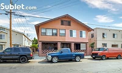Building, 229 E 30th St, 2