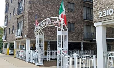 Donato Towers, 1