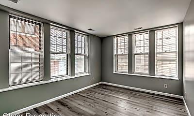 Living Room, 5622 Delmar Blvd, 2