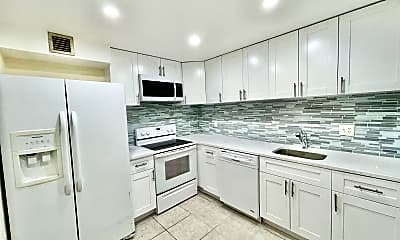 Kitchen, 636 NW 13th St 31, 0