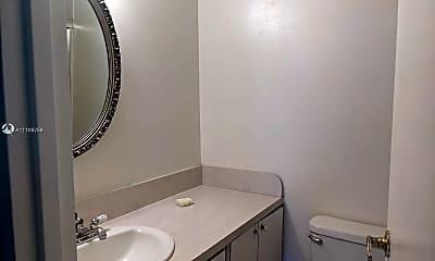 Bathroom, 17620 Atlantic Blvd, 2