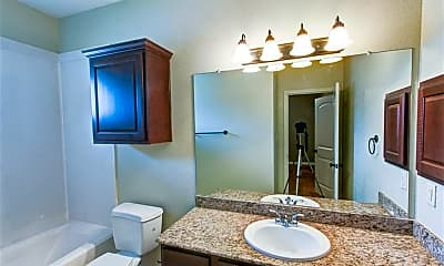 Bathroom, 3329 General Pkwy, 2