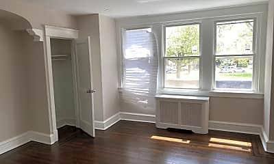 Living Room, 327 Roosevelt Blvd, 2
