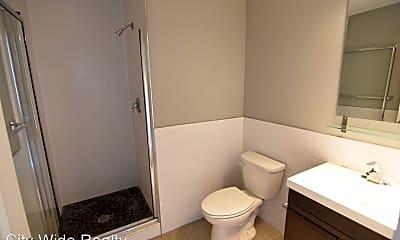 Bathroom, 535 Budd St, 2
