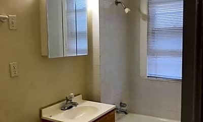 Bathroom, 324 W 112th St 2, 2