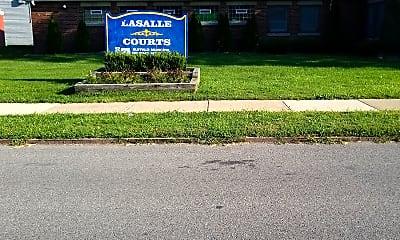 LaSalle Courts, 1