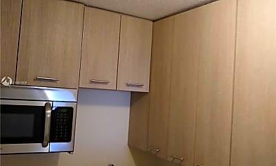 Kitchen, 1007 SE 2nd Ct 3, 2