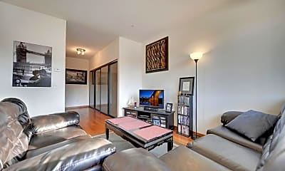 Living Room, 15 E Franklin Ave 213, 1