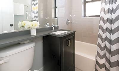 Bathroom, 2910 N Mildred Ave, 2
