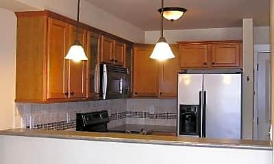 Kitchen, 700 32nd St. #301, 1